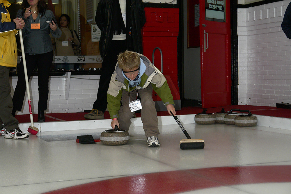 Learning to Curl Visually Impaired