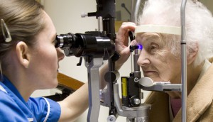 eye-exam_seniors