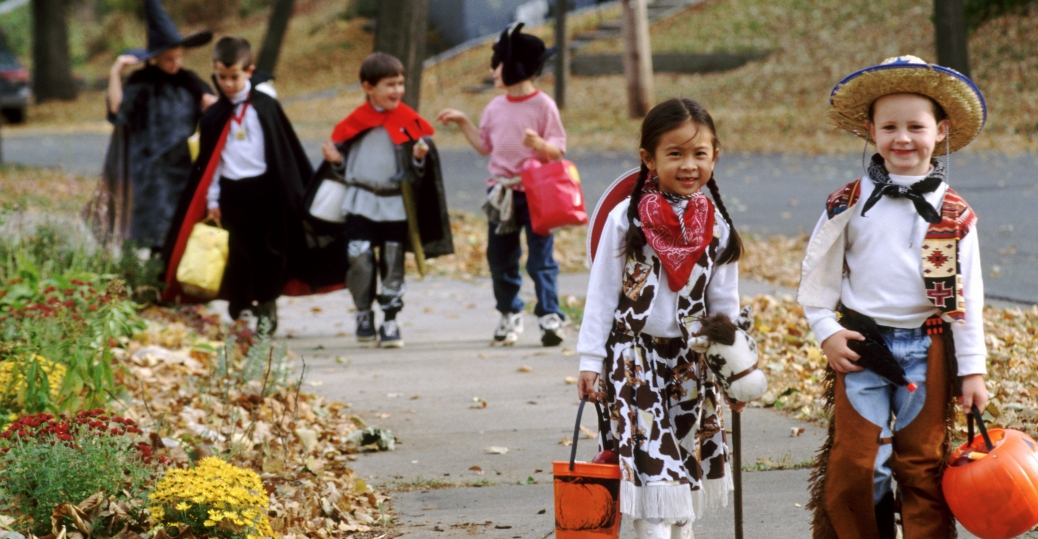 Halloween Safety and children's vision   Canadian Council of the Blind